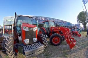 Magasin vente cevennes motoculture nimes gard gros tracteur engin réparation entretien espace vert agricole kubota monte charge